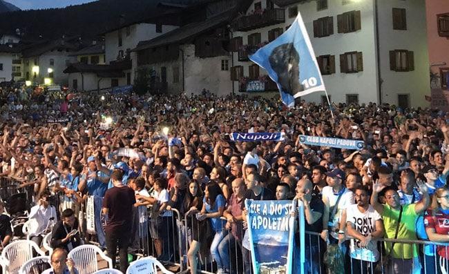 Napoli, 5000 tifosi a Dimaro. Parte la campagna abbonamenti con una novità