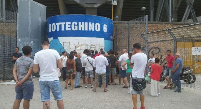 Abbonamenti, Napoli terzultimo in Serie A. Doppiato dal Lecce