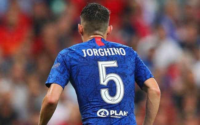Jorginho, il nome sbagliato sulla maglia fa il giro del Web. Ricordate Ibra?