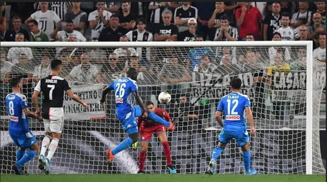 Juve-Napoli, da annullare l'autorete di koulibaly. Grave errore di Orsato