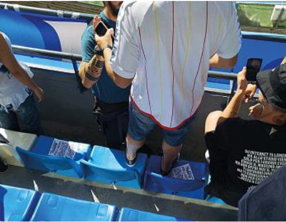 Napoli, multati11tifosi al San Paolo, erano in piedi sui sediolini e sulle balaustre