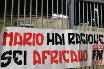 Striscione razzista Balotelli