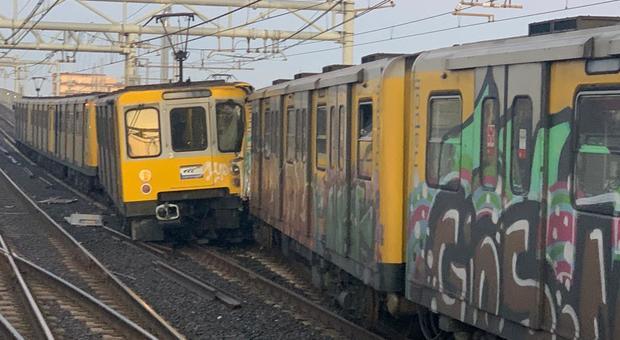 Metropolitana di Napoli scontro tra due treni