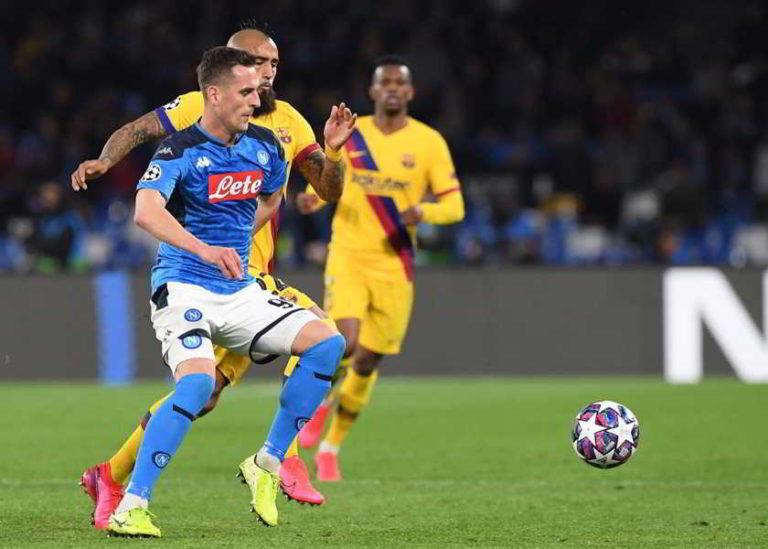 Napoli-Barcellona: Milik lentezza imbarazzante. Mertens e Messi....