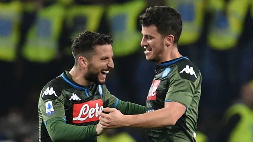 Il Napoli batte il Cagliari e torna a vincere anche in campionato