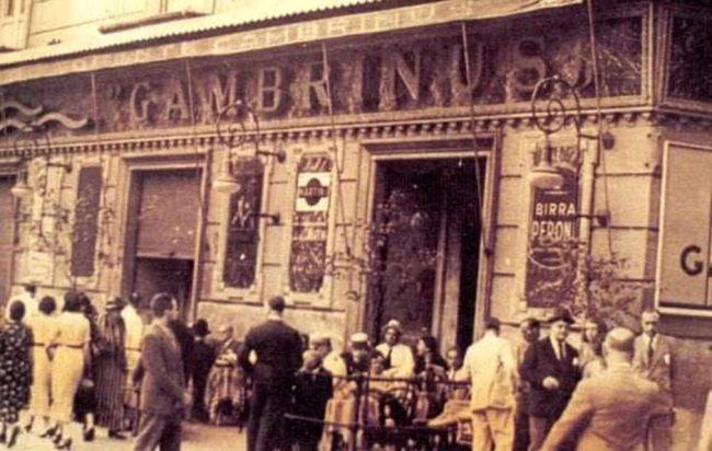"""""""Astrigneme"""", il brano che nasce allo storico Bar Gambrinus di Napoli"""