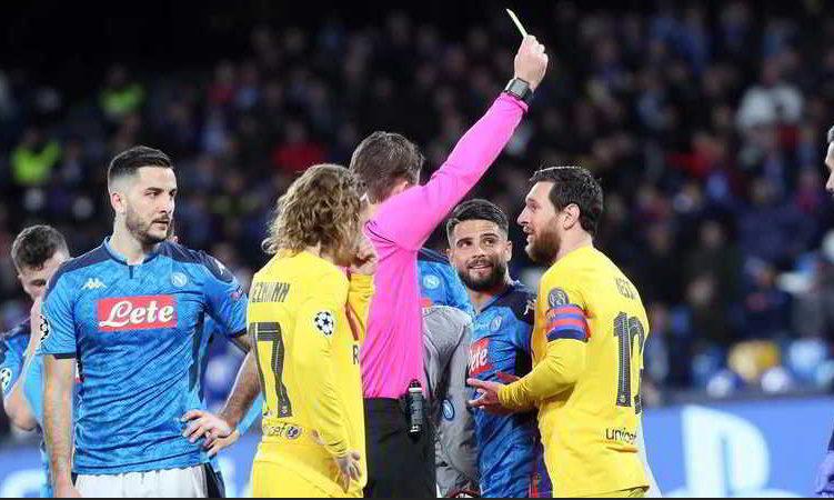 Napoli, irregolare il goal del Barcellona, manca il rosso a Busquet