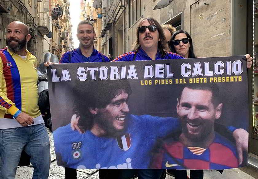 """NAPOLI-BARCELLONA, i tifosi fanno festa al grido """"Juve mer**"""""""