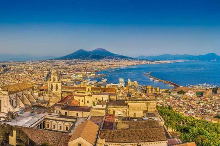 """Napoli, da presunto """"lazzaretto"""" a culla del contagio zero"""