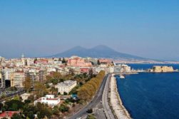 COVID, l'acqua di Napoli torna cristallina