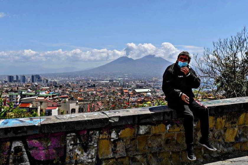 calano i contagi in Campania