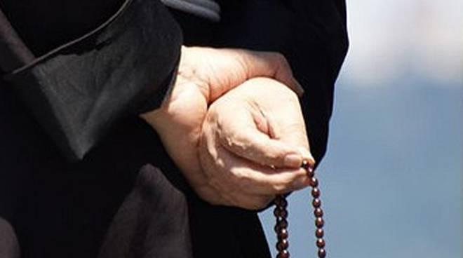 parroco multato in campania