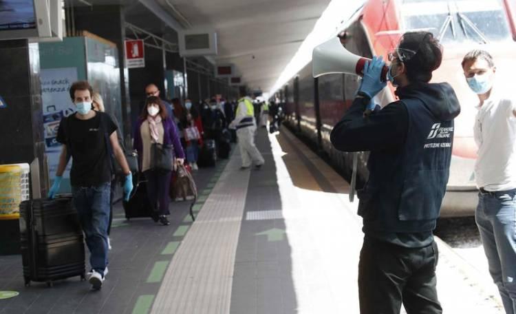 Napoli, rientri dal Nord il 23% dei viaggiatori è positivo