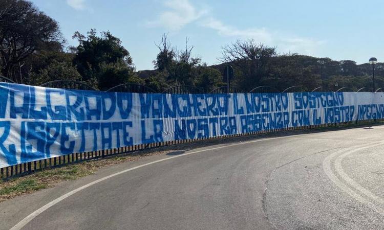 Curva A striscione Parma Napoli