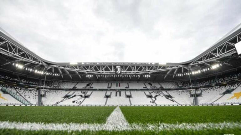 Tweet della Juventus rinvio