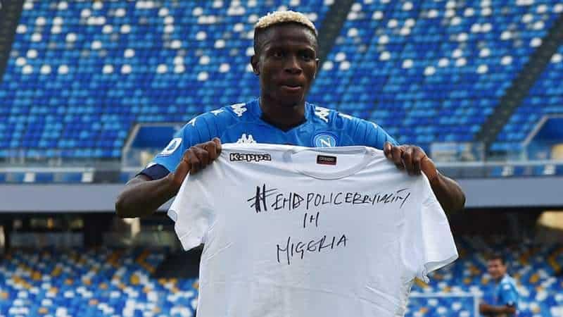 """Osimhen goal, poi la maglietta: """"Stop alla violenza della polizia in Nigeria"""""""