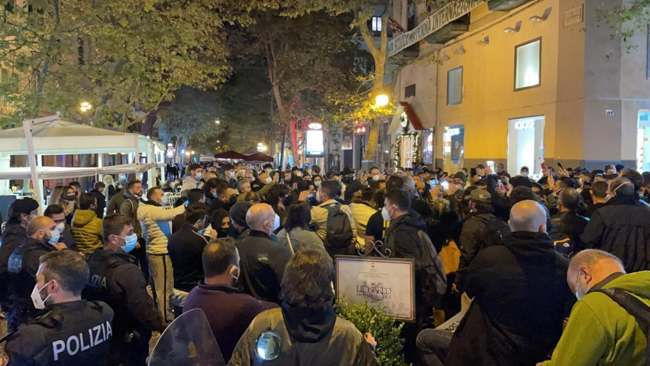 zaccone proteste napoli