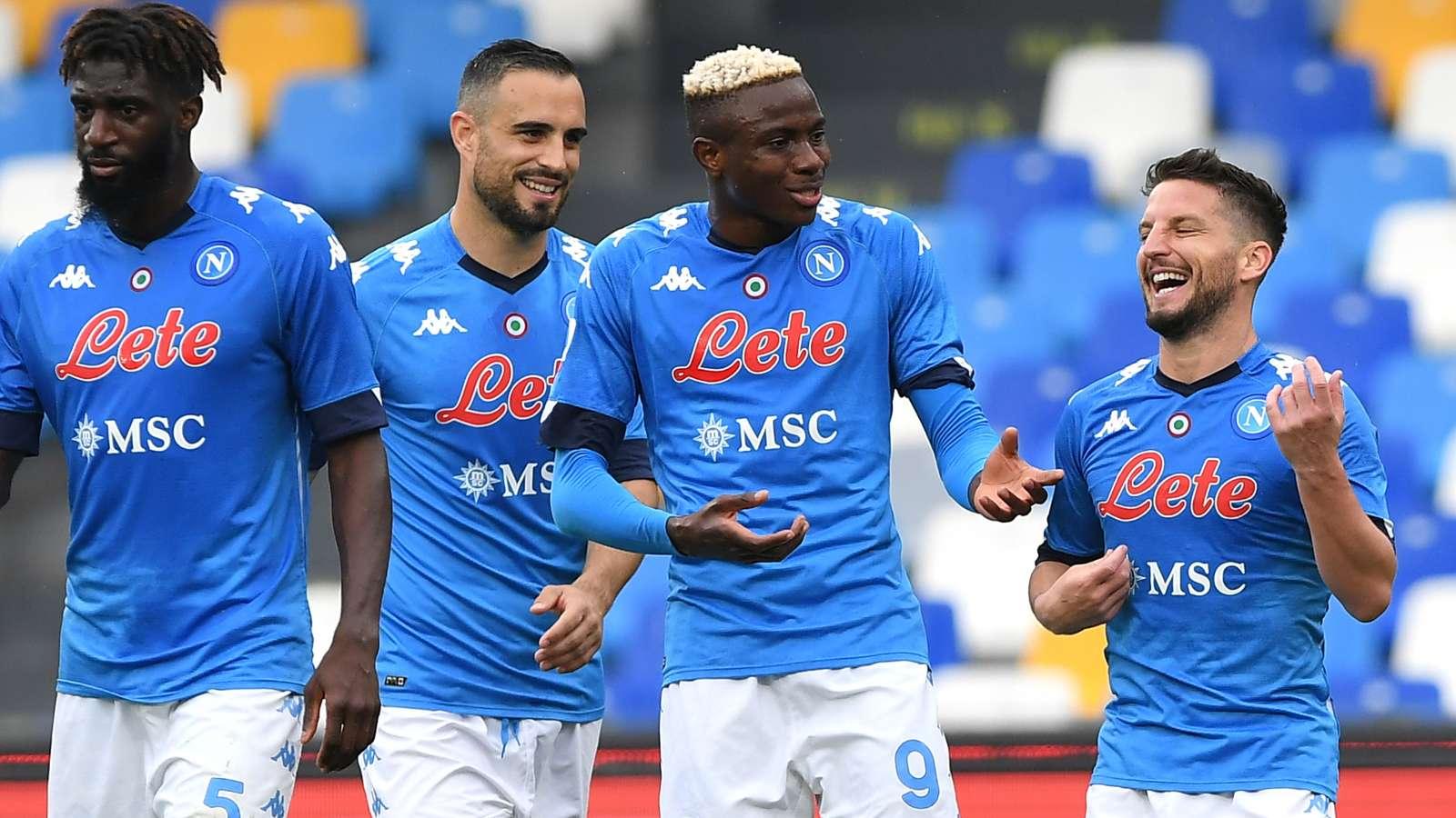 Napoli-Crotone 4-3. Azzurri autolesionisti. la decide Di Lorenzo