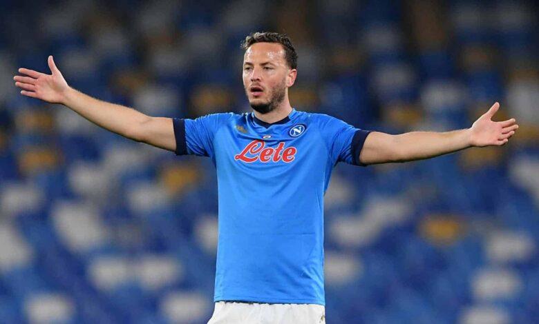"""Napoli, un tifoso contro De Maggio: """"Ma che domande fai a Rrahmani"""""""